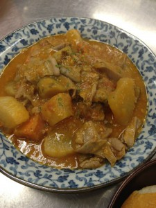 白モツと根菜のトマト煮込み。味噌を入れて和風トリッパ。