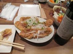 山都町小原豆腐店の厚揚げ。本当に美味しい。今回はネギたっぷりの油淋ソースで中華風に。